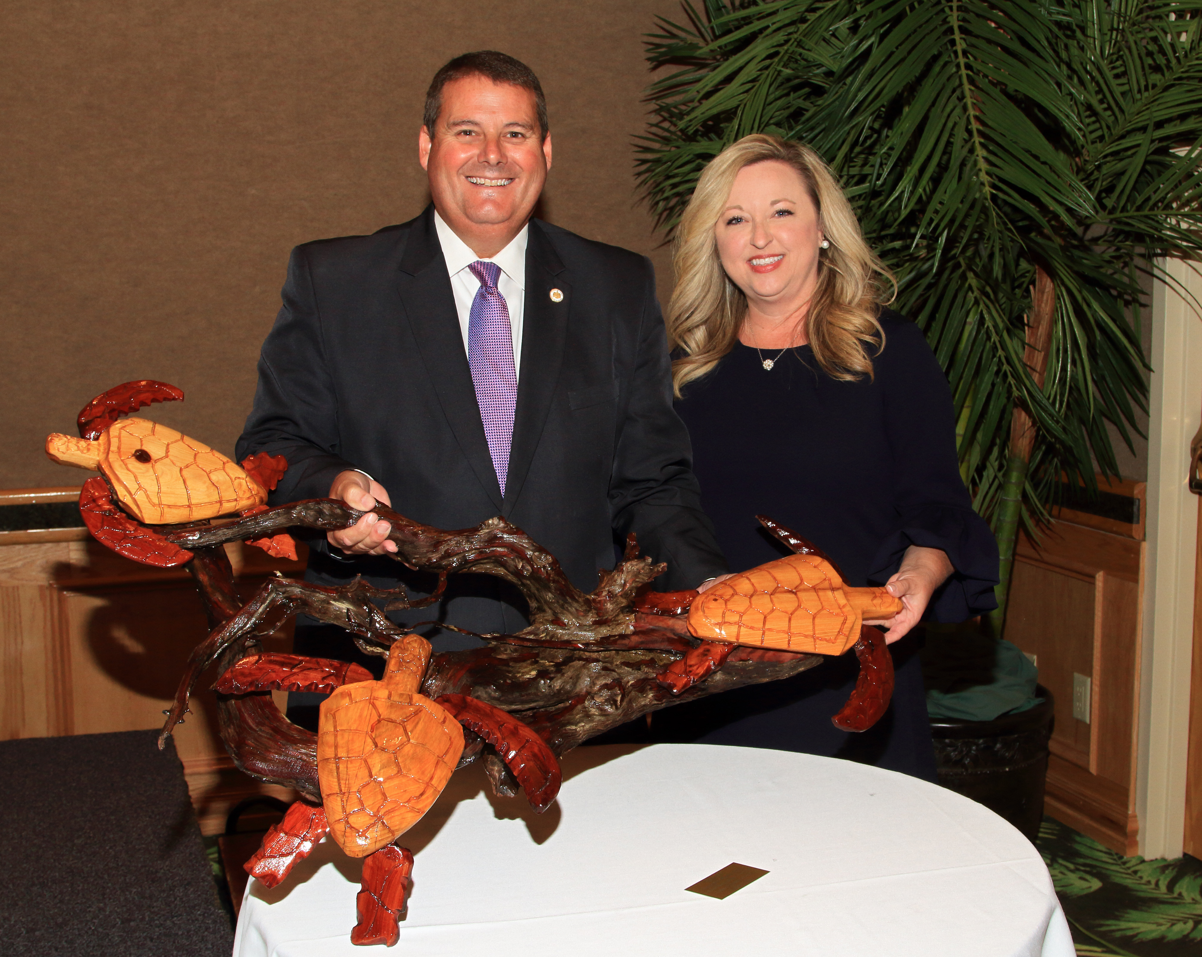 ADCNR Commissioner Chris Blankenship and his wife Allyson after being presented with the 2018 Lyles-Simpson Award.  Photo by Jeff Rester, Gulf States Marine Fisheries Commission