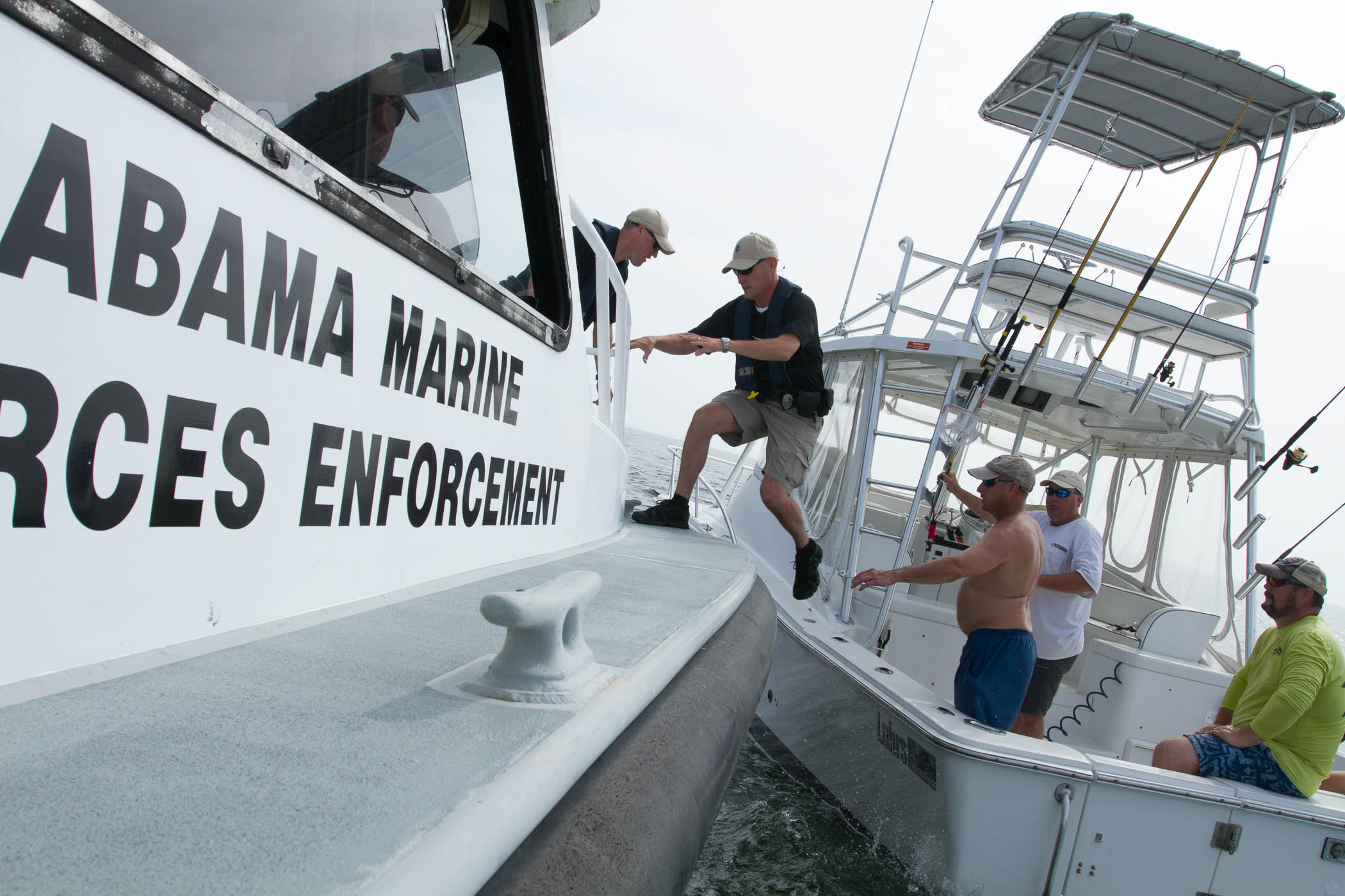 When approached by a conservation enforcement officer for Alabama non resident saltwater fishing license